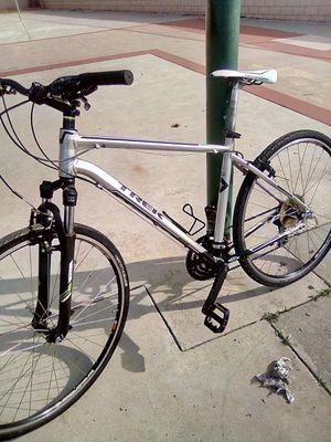 Trek hybrid bike for Sale in El Monte, CA