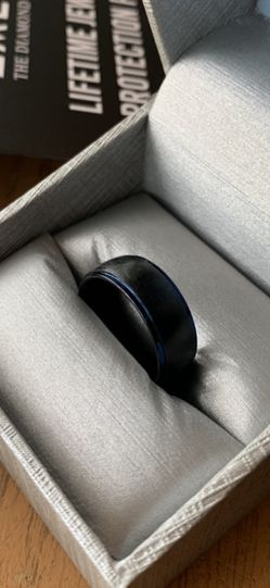 Zales Tantalum 8mm Black/Blue Mens Engagement Wedding Ring Size 8.5 for Sale in Puyallup,  WA