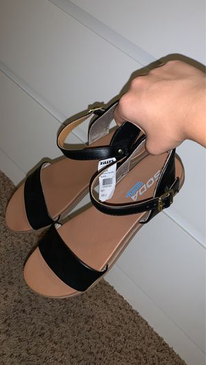 Sandals for Sale in Fresno, CA
