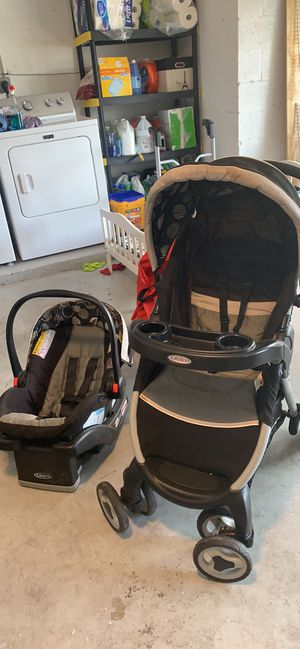 Car seat and stroller set for Sale in Lake Worth, FL