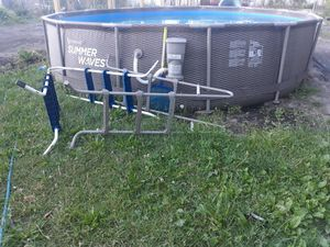 14x36 summerwave with 2 ladders for Sale in Detroit, MI