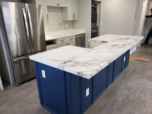 Kitchen island quartz for Sale in Deerfield Beach, FL
