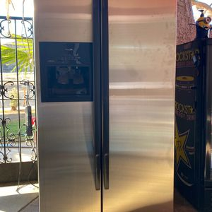 Whirlpool gold model refrigerator counter depth for Sale in Riverside, CA