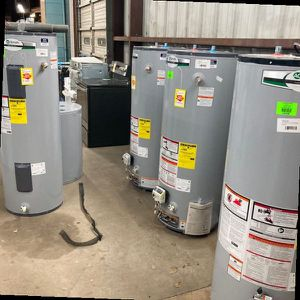 Gas and electric water heaters AN4I for Sale in Houston, TX