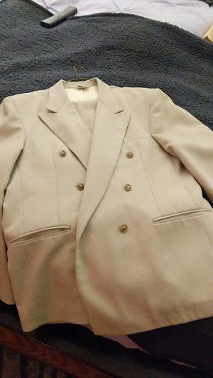 Beautiful Men's Suit for Sale in Auburn, WA