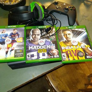 Black XBOX One For $200, 3 Games, Headphone And Controller for Sale in Tacoma, WA