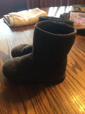 Girls brown Ugg boots. Size 13. Pick up in Clarksville only!!! for Sale in Clarksville, IN