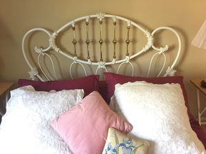 Steel and brass Head and Foot Queen size bed for Sale in Lake Forest, CA