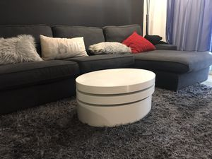 Modern 3 Piece Swivel Oval Coffee Table (White) for Sale in San Diego, CA