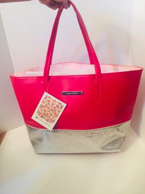 Brand new Vince Camuto snakeskin tote bag for Sale in Manchester, CT