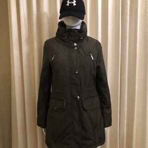 MICHAEL Kors Hooded Raincoat, Khaki XS for Sale in Redwood City, CA