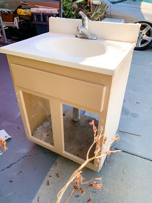 FREE ceramic sink perfect for DIY project for Sale in San Marino, CA