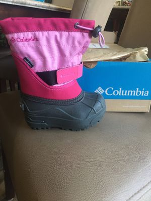 Columbia kids size 7 snow boots for Sale in Oswego, IL