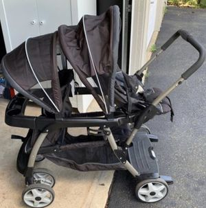 Graco Classic Connect Double Stroller for Sale in Bloomingdale, IL