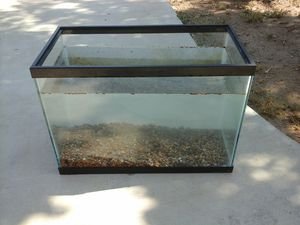 10 gal fish tank 15$ for Sale in Hesperia, CA