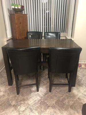 Kitchen pub set for Sale in Silver Spring, MD