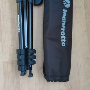 Manfrotto Tripod for Sale in Milpitas, CA