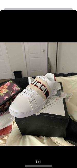 Gucci Elastic Band Shoes for Sale in Moreno Valley, CA