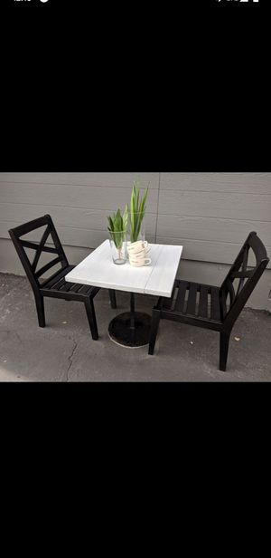 Small table and chairs/ bistro set for Sale in La Mirada, CA