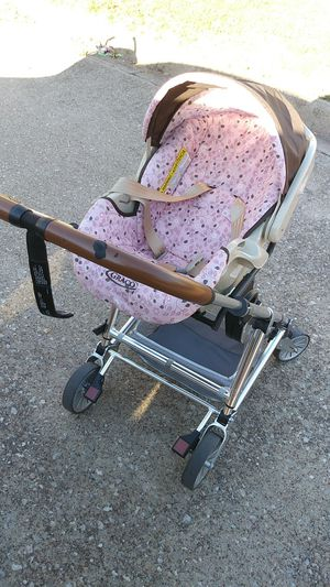Graco car seat stroller for Sale in Fort Worth, TX