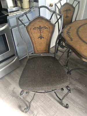 Dining table for Sale in Centreville, VA