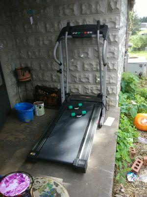 Inclined treadmill for Sale in Deatsville, AL