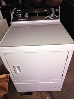 Speed Queen electric washer and dryer for Sale in Oshkosh, WI