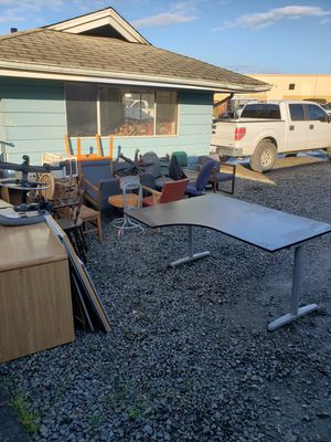 Free office furniture for Sale in Puyallup, WA