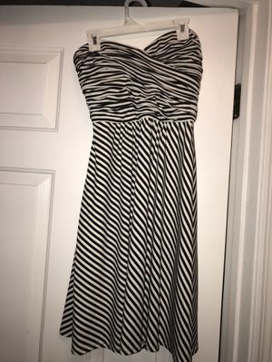 black & white striped strapless dress - XS for Sale in Clermont, FL