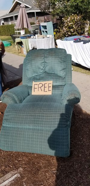 Free recliner for Sale in Fresno, CA