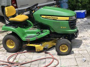 John Deere X300 tractor for Sale in Lakeland, FL