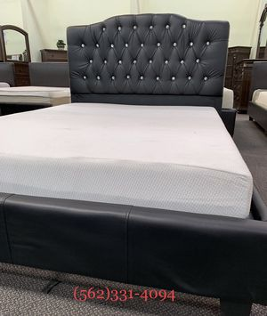 Calking Black Tufted Bed with Mattress Included for Sale in Clayton, CA