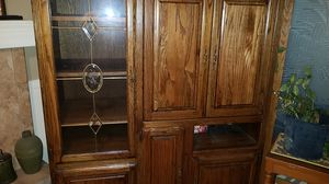 TV and curio cabinet for Sale in Elgin, IL