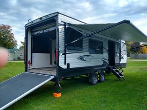 2019 jayco 30 ft. Toy hauler for Sale in Webberville, MI