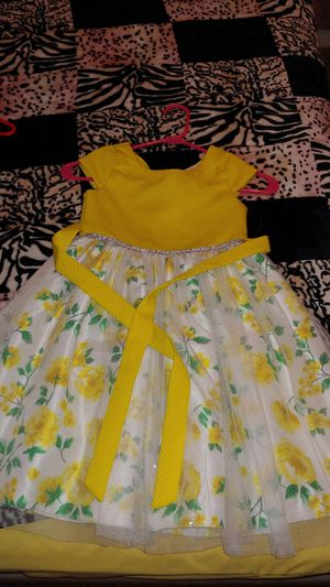 Adorable little girl dress size 6x for Sale in Fresno, CA