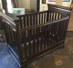 Project baby crib solid wood $40 for Sale in Phoenix, AZ