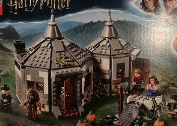LEGO Harry Potter - Hagrids Hut: Buckbeaks Rescue 75947 for Sale in Colorado Springs,  CO