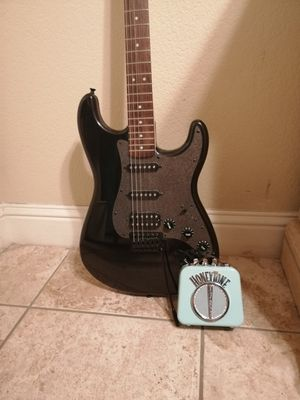 Electric Fender guitar for Sale in Fresno, CA