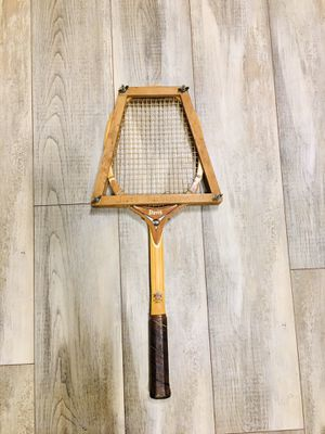 Vintage Davis HI-Point Wooden Tennis Racket for Sale in Spring Hill, FL
