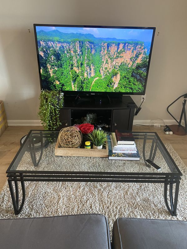 Living room - Coffee Table and TV stand