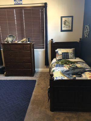Twin trundle bed and dresser for Sale in Lincoln, CA