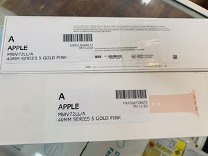 Apple Watch Series 5GPS 40 MM Excellent Condition With Warranty for Sale in Cambridge, MA