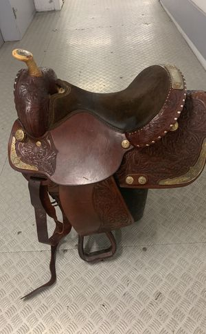 Saddle (Silver Royal) for Sale in Chicago, IL