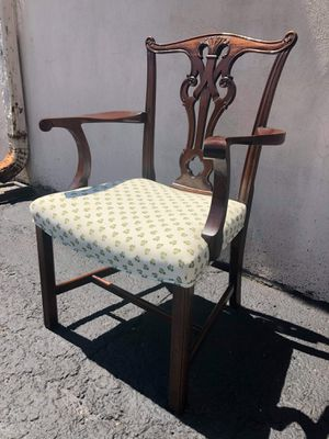 Shamrock Print Vintage Clover Back Arm Chair for Sale in Chicago, IL