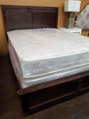 Queen size solid wood panel bed with a queen foam mattress set for Sale in Sacramento, CA