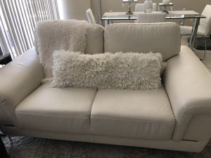 City furniture loveseat for Sale in Fort Lauderdale, FL