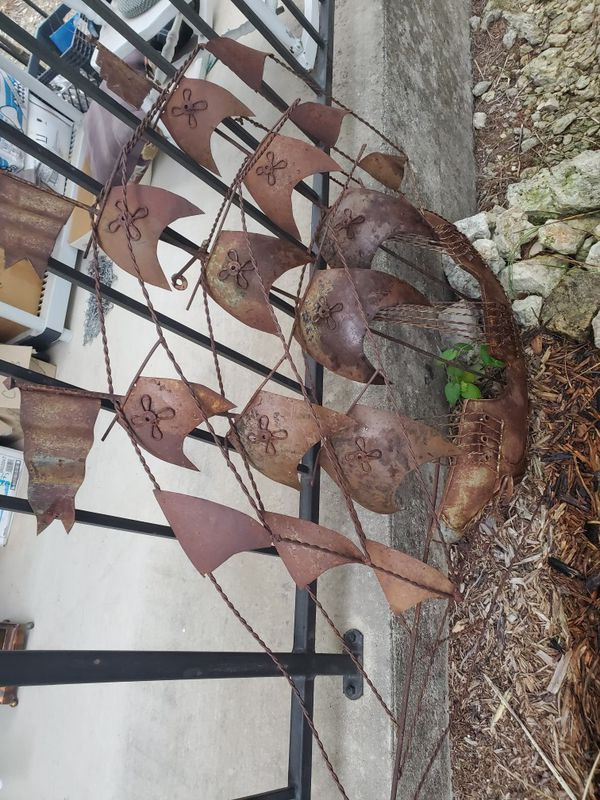 Metal boat yard or house decoration