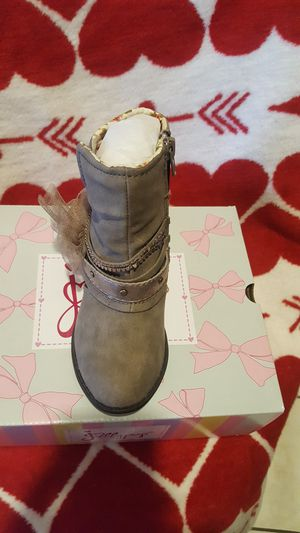 Jellypop boots for a little girl size 8 for Sale in La Puente, CA