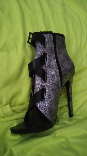 Paper Fox size 7 1/2 high heels for Sale in Owatonna, MN