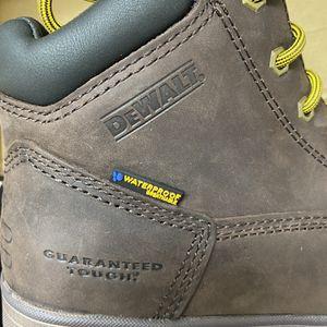 DEWALT Mens Helix Waterproof / Work Boots Size 8.5 W for Sale in Goodyear, AZ